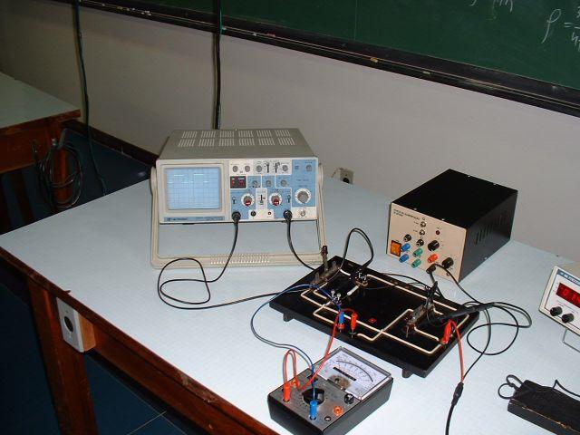 Circuito Rc : O circuito rc série